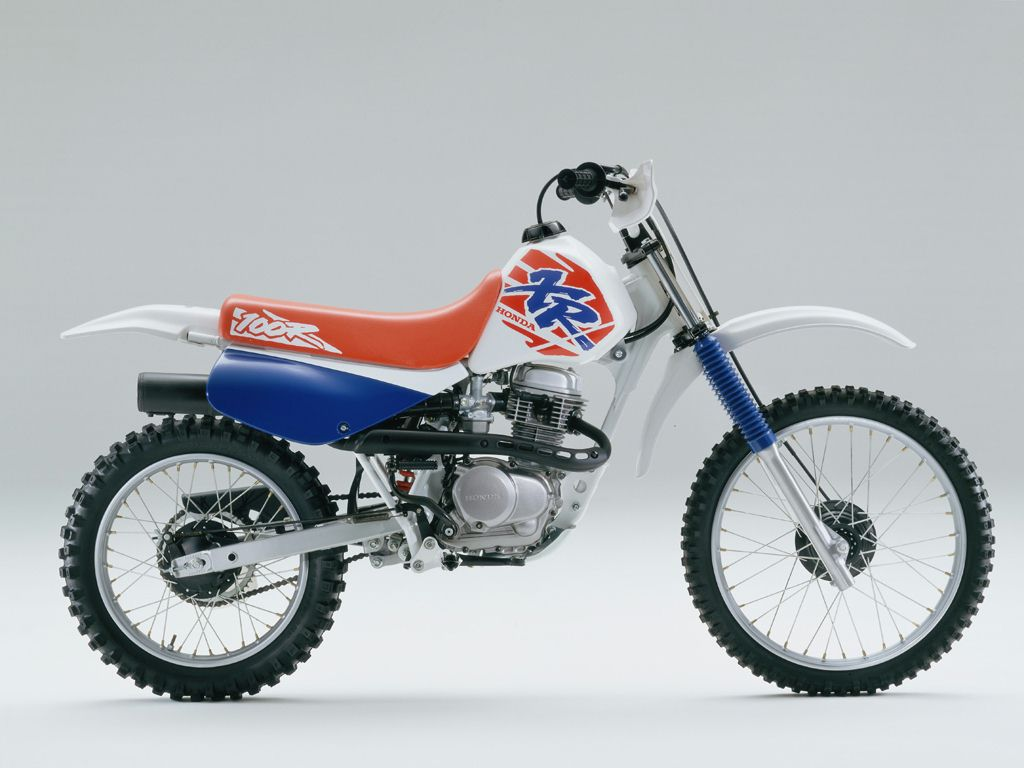 The Honda 100 at MotorBikeSpecs.net, the Motorcycle Specification Database