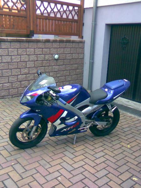 The Peugeot XR6 (2T) 50cc at MotorBikeSpecs net, the