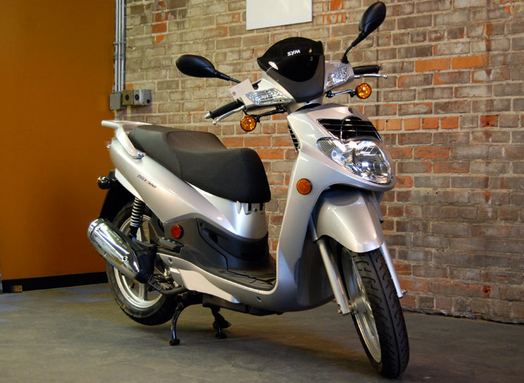 The Sym 200 At MotorBikeSpecs.net, The Motorcycle